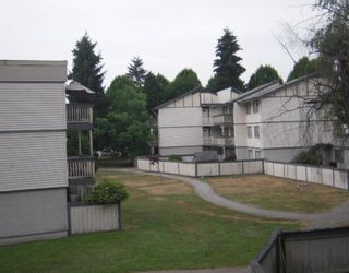 """Photo 7: 27 842 PREMIER Street in North_Vancouver: Lynnmour Condo for sale in """"EDGEWATER ESTATES"""" (North Vancouver)  : MLS®# V772150"""