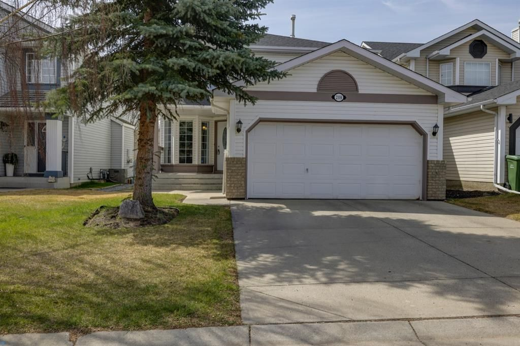 Main Photo: 208 Mt Selkirk Close SE in Calgary: McKenzie Lake Detached for sale : MLS®# A1104608