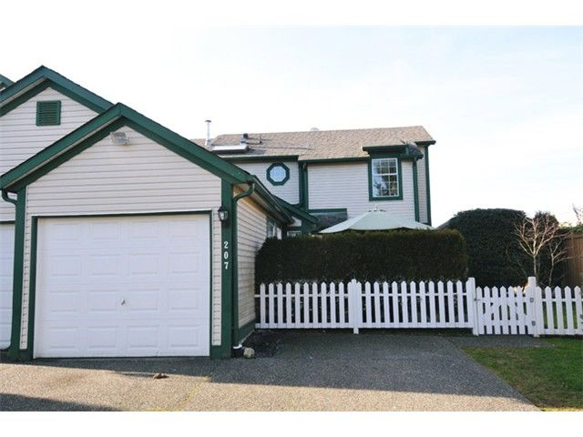 "Photo 15: Photos: # 207 20675 118TH AV in Maple Ridge: Southwest Maple Ridge Townhouse for sale in ""ARBOR WYNDE"" : MLS®# V1043404"
