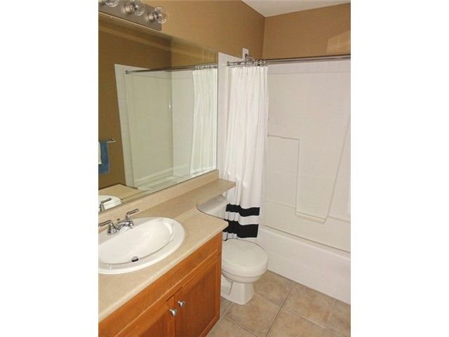 """Photo 11: Photos: # 2 6588 188TH ST in Surrey: Cloverdale BC Townhouse for sale in """"Hillcrest Place"""" (Cloverdale)  : MLS®# F1321944"""