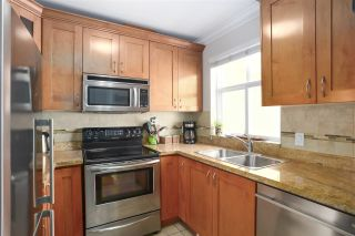 """Photo 5: 1027 E 20TH Avenue in Vancouver: Fraser VE Townhouse for sale in """"WINDSOR PLACE"""" (Vancouver East)  : MLS®# R2458646"""