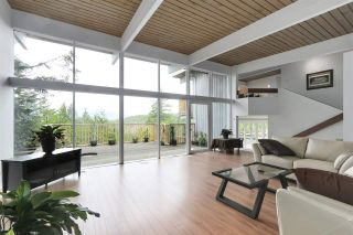 Photo 2: 6253 ST. GEORGES Crescent in West Vancouver: Gleneagles House for sale : MLS®# R2526812