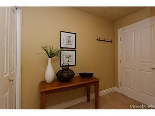 Photo 3: 203 2460 Bevan Ave in SIDNEY: Si Sidney South-East Condo for sale (Sidney)  : MLS®# 651225