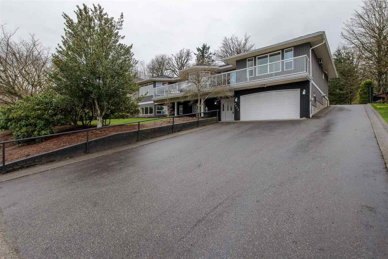 Main Photo: 8623 SUNRISE Drive in Chilliwack: Chilliwack Mountain House for sale : MLS®# R2251707