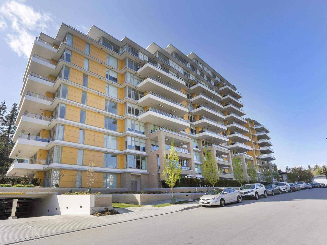 """Main Photo: 806 1501 VIDAL Street: White Rock Condo for sale in """"The Beverley"""" (South Surrey White Rock)  : MLS®# R2356186"""
