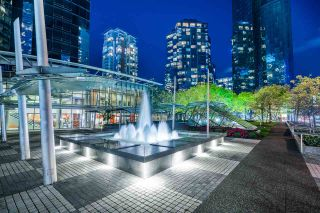"Photo 6: 3000 1050 BURRARD Street in Vancouver: Downtown VW Condo for sale in ""The Wall Centre"" (Vancouver West)  : MLS®# R2511937"