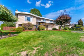 "Photo 2: 45935 LAKE Drive in Chilliwack: Sardis East Vedder Rd House for sale in ""Sardis Park"" (Sardis)  : MLS®# R2620684"