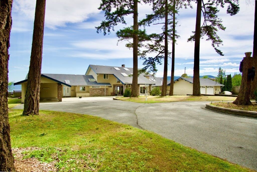 Main Photo: 2102 DONKERSLEY Road in No City Value: Out of Town House for sale : MLS®# R2605784