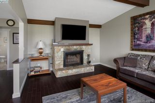 Photo 3: 9360 Lochside Dr in SIDNEY: Si Sidney South-East House for sale (Sidney)  : MLS®# 825690