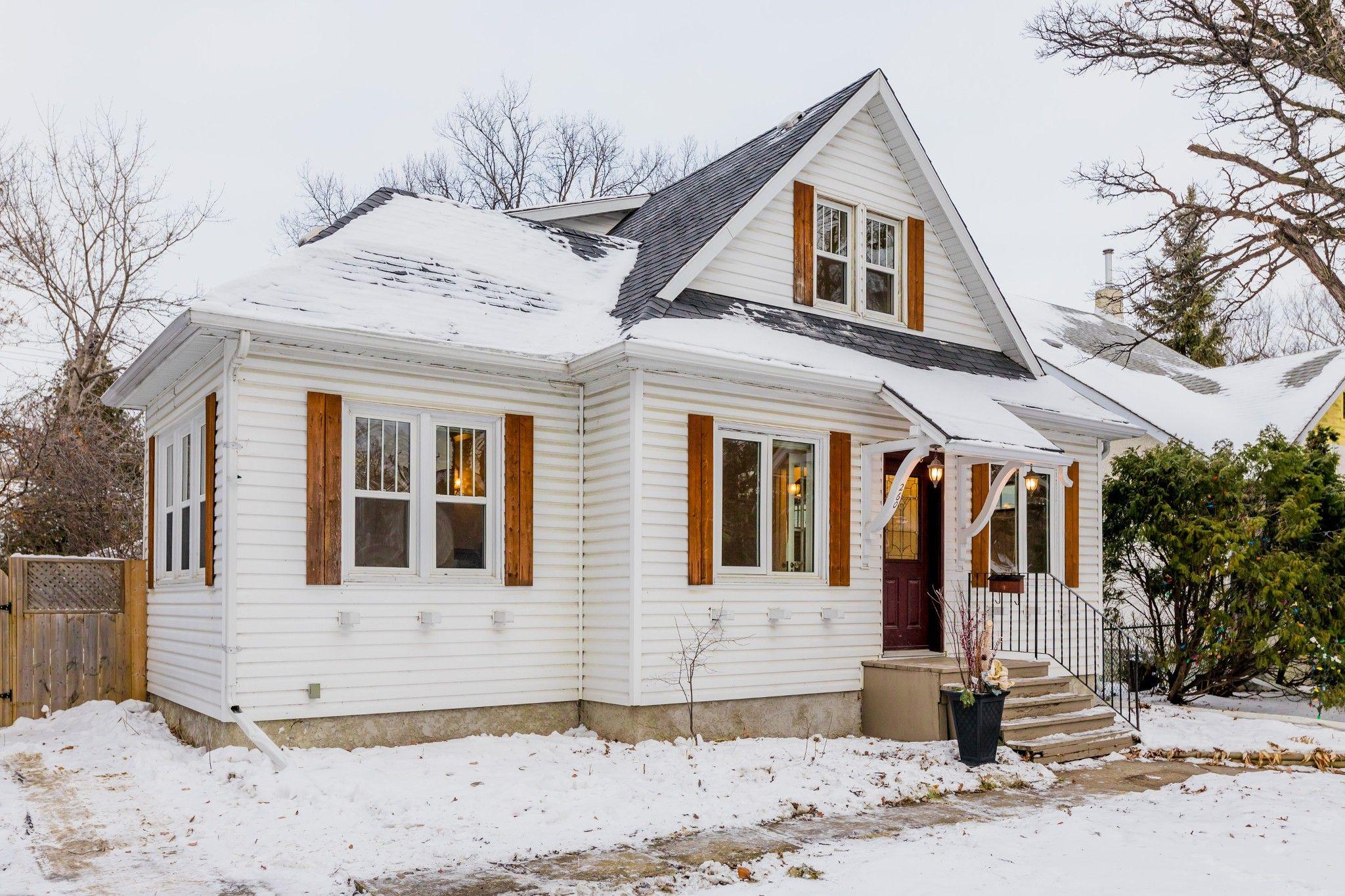 Main Photo: 260 Duffield Street in Winnipeg: Deer Lodge House for sale (5E)  : MLS®# 202000859