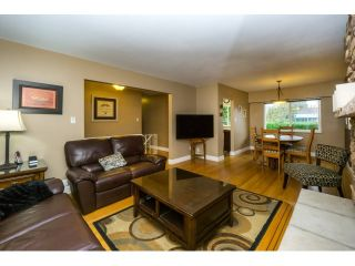 """Photo 3: 2121 LYONS Court in Coquitlam: Central Coquitlam House for sale in """"CENTRAL COQUITLAM - MUNDY PARK AREA"""" : MLS®# R2007723"""