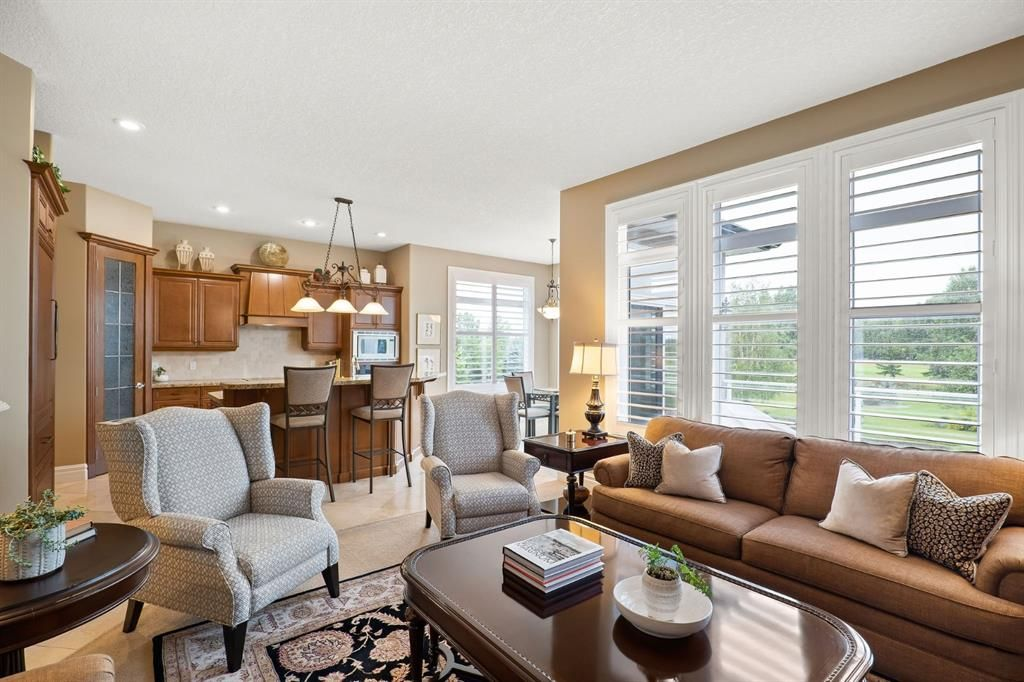 Photo 16: Photos: 15 Lynx Meadows Drive NW: Calgary Detached for sale : MLS®# A1139904