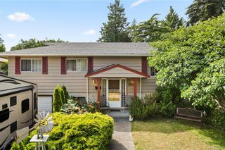 Photo 1: 3064 Jenner Rd in Colwood: Co Wishart North House for sale : MLS®# 844234