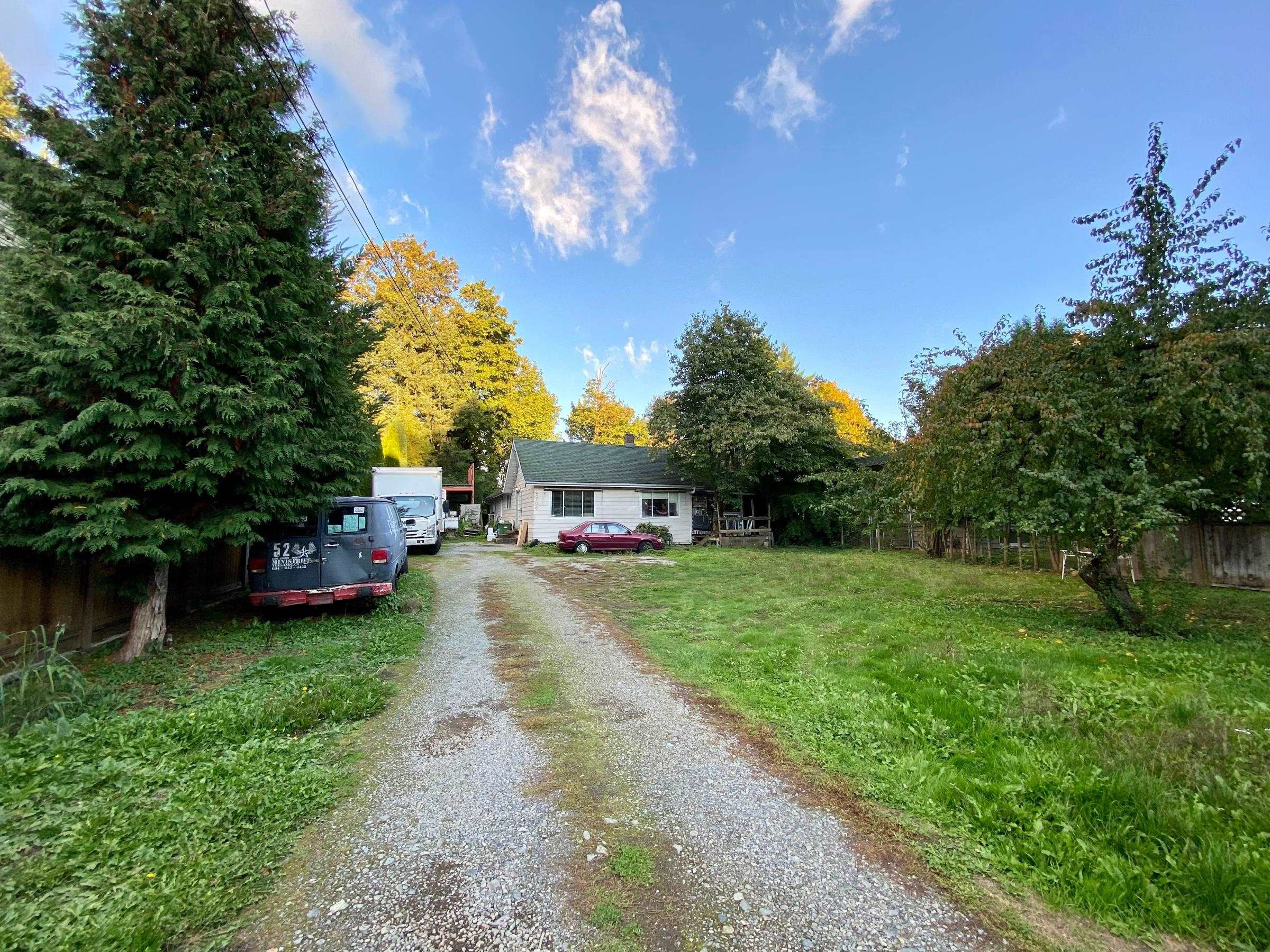 Main Photo: 2206 MCKENZIE Road in Abbotsford: Central Abbotsford House for sale : MLS®# R2625834