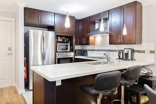 """Photo 5: 107 525 WHEELHOUSE Square in Vancouver: False Creek Condo for sale in """"HENLEY COURT"""" (Vancouver West)  : MLS®# R2529742"""