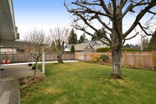 Photo 18: 1927 140A STREET in Surrey: Sunnyside Park Surrey House for sale (South Surrey White Rock)  : MLS®# R2342324
