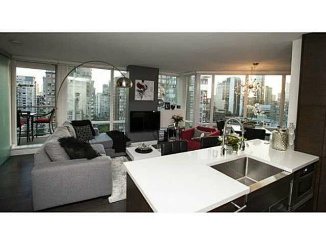 """Photo 7: Photos: 1707 535 SMITHE Street in Vancouver: Downtown VW Condo for sale in """"DOLCE AT SYMPHONY PLACE"""" (Vancouver West)  : MLS®# V1138374"""