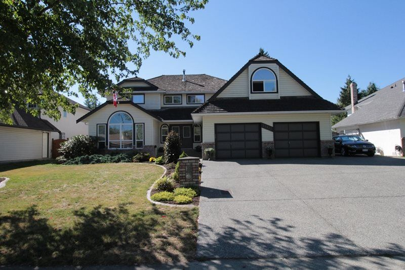 """Main Photo: 21872 45 Avenue in Langley: Murrayville House for sale in """"Murrayville"""" : MLS®# R2201710"""