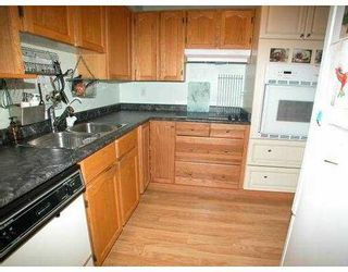 "Photo 2: 104 1175 HEFFLEY CR in Coquitlam: North Coquitlam Condo for sale in ""HEFFLEY CR"" : MLS®# V597744"