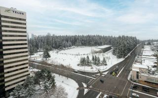 """Photo 22: 2507 5665 BOUNDARY Road in Vancouver: Collingwood VE Condo for sale in """"WALL CENTRE CENTRAL PARK SOUTH"""" (Vancouver East)  : MLS®# R2539277"""
