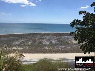 Photo 4: Ocean and beach front House in Costa Esmeralda