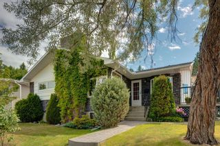 Photo 2: 3204 15 Street NW in Calgary: Collingwood Detached for sale : MLS®# A1124134