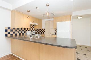"""Photo 3: 1311 819 HAMILTON Street in Vancouver: Downtown VW Condo for sale in """"819 Hamilton"""" (Vancouver West)  : MLS®# R2596186"""