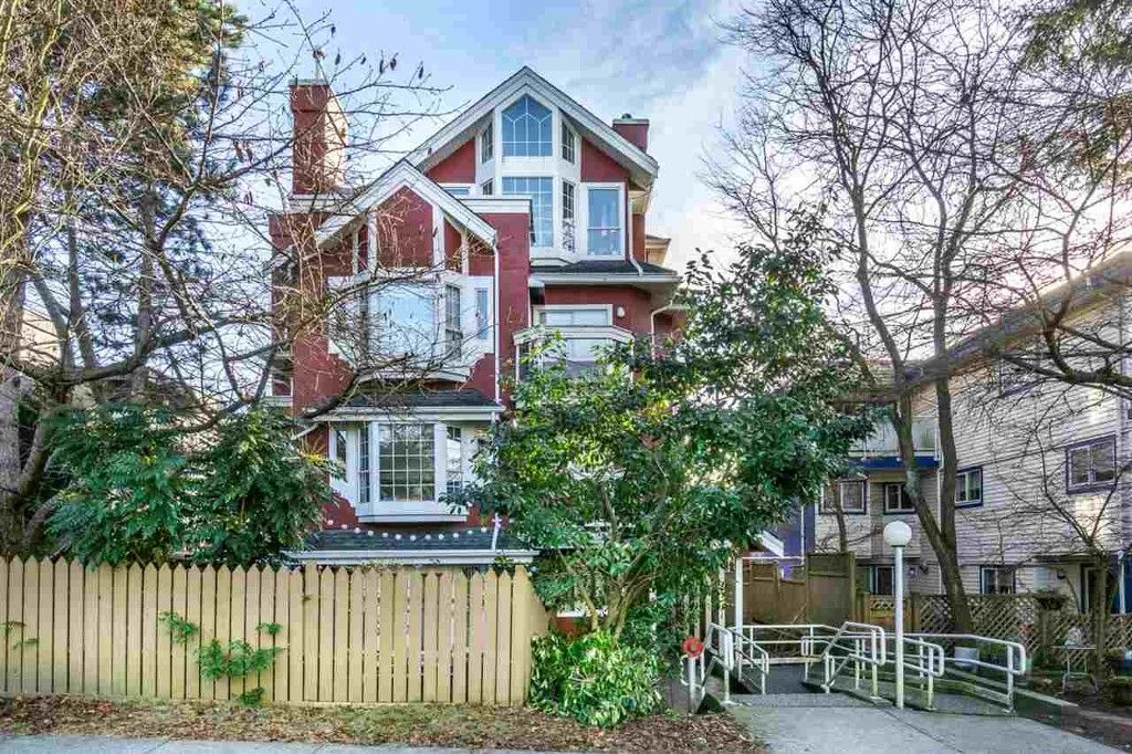 Main Photo: 302 1610 E.5th Ave in Vancouver: Grandview VE Condo for sale (Vancouver East)  : MLS®# R2137159