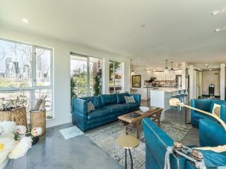 """Photo 7: 307 1502 ISLAND PARK Walk in Vancouver: False Creek Condo for sale in """"The Lagoons"""" (Vancouver West)  : MLS®# R2606940"""