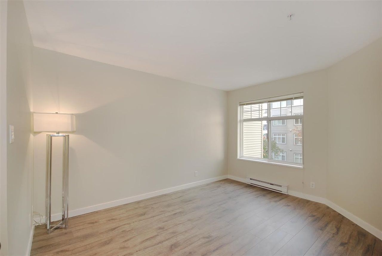 "Photo 13: Photos: 204 1428 PARKWAY Boulevard in Coquitlam: Westwood Plateau Condo for sale in ""Montreaux"" : MLS®# R2132471"