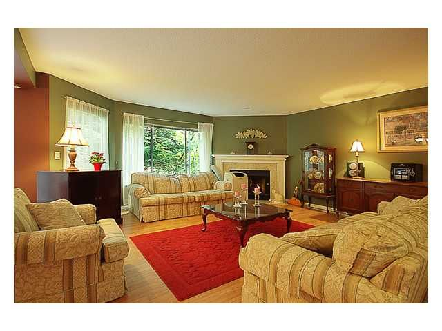 """Main Photo: 32 1251 LASALLE Place in Coquitlam: Canyon Springs Townhouse for sale in """"CHATEAU LASALLE"""" : MLS®# V900638"""