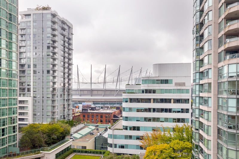 FEATURED LISTING: 1203 - 867 HAMILTON Street Vancouver