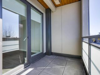 "Photo 13: 305 4289 HASTINGS Street in Burnaby: Vancouver Heights Condo for sale in ""MODENA"" (Burnaby North)  : MLS®# R2354279"