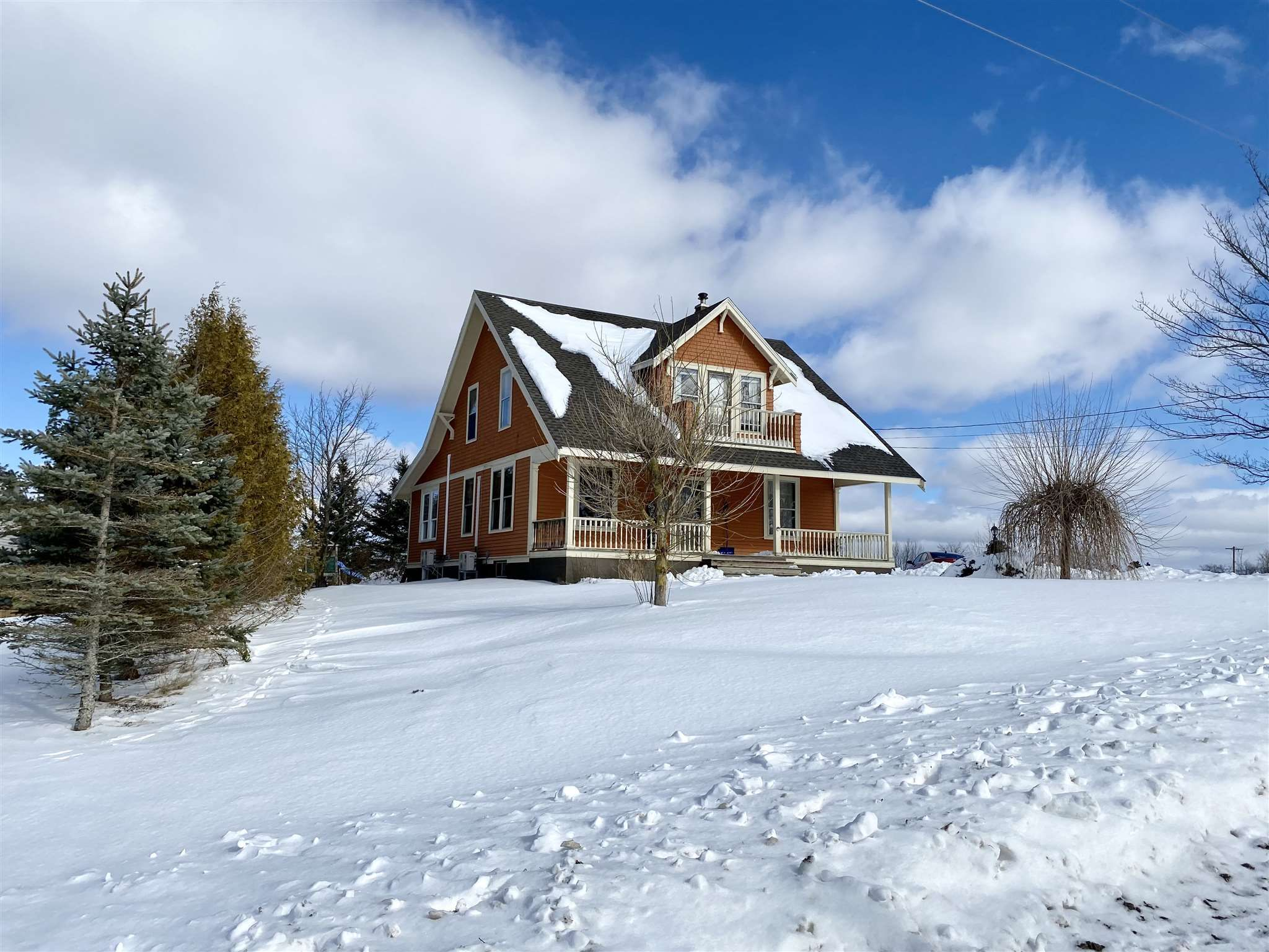 Main Photo: 306 Town Road in Falmouth: 403-Hants County Residential for sale (Annapolis Valley)  : MLS®# 202102892