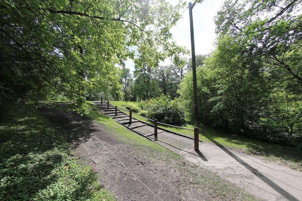 Photo 27: Photos: 154 Douglas Park Road in Winnipeg: Bruce Park/ St. James Single Family Detached for sale (West Winnipeg)  : MLS®# 1519811