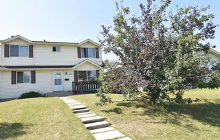 Photo 2: 199 Templeby Drive NE in Calgary: Temple Detached for sale : MLS®# A1140343