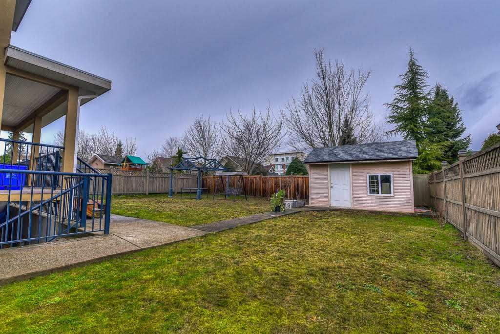 Photo 19: Photos: 15927 89A Avenue in Surrey: Fleetwood Tynehead House for sale : MLS®# R2228908