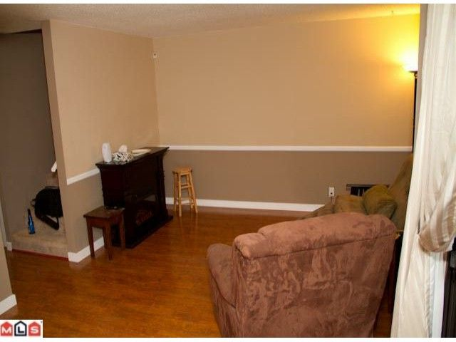 """Photo 2: Photos: 129 13880 74TH Avenue in Surrey: East Newton Townhouse for sale in """"WEDGEWOOD ESTATES"""" : MLS®# F1200797"""