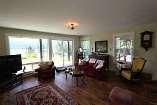 Photo 10: 7823 Squilax Anglemont Road in Anglemont: North Shuswap House for sale (Shuswap)  : MLS®# 10116503