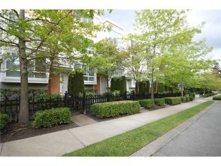 """Photo 10: 6717 VILLAGE Grove in Burnaby: Highgate Townhouse for sale in """"THE MONTEREY"""" (Burnaby South)  : MLS®# V952131"""