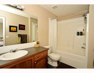 Photo 10: 25 COPPERFIELD Court SE in CALGARY: Copperfield Townhouse for sale (Calgary)  : MLS®# C3383561