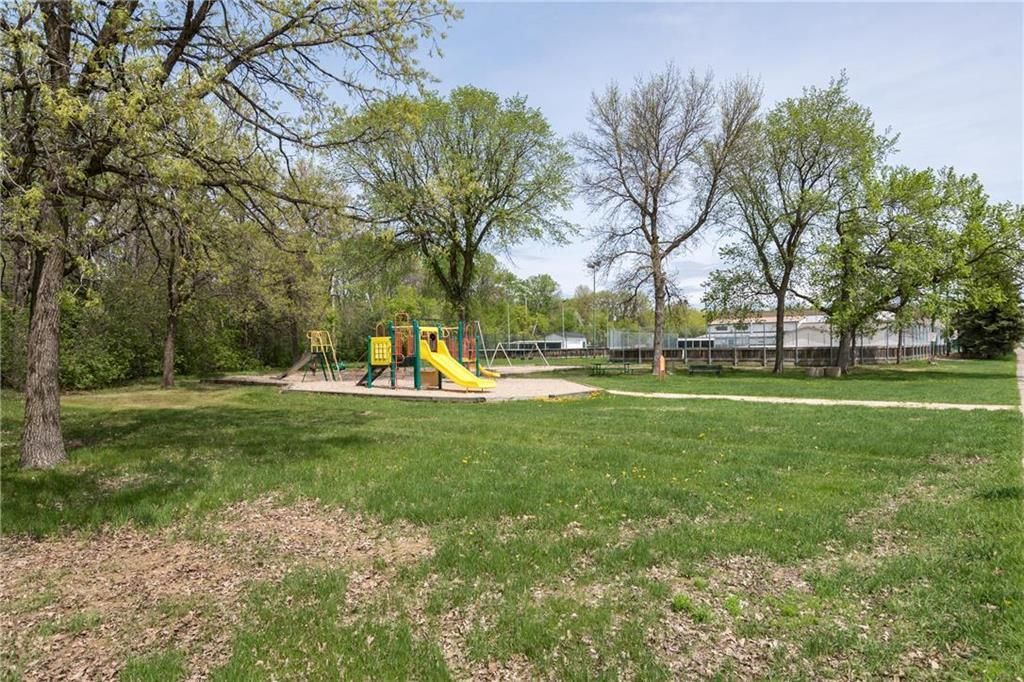 Photo 35: Photos: 97 Woodlawn Avenue in Winnipeg: Residential for sale (2C)  : MLS®# 202011539