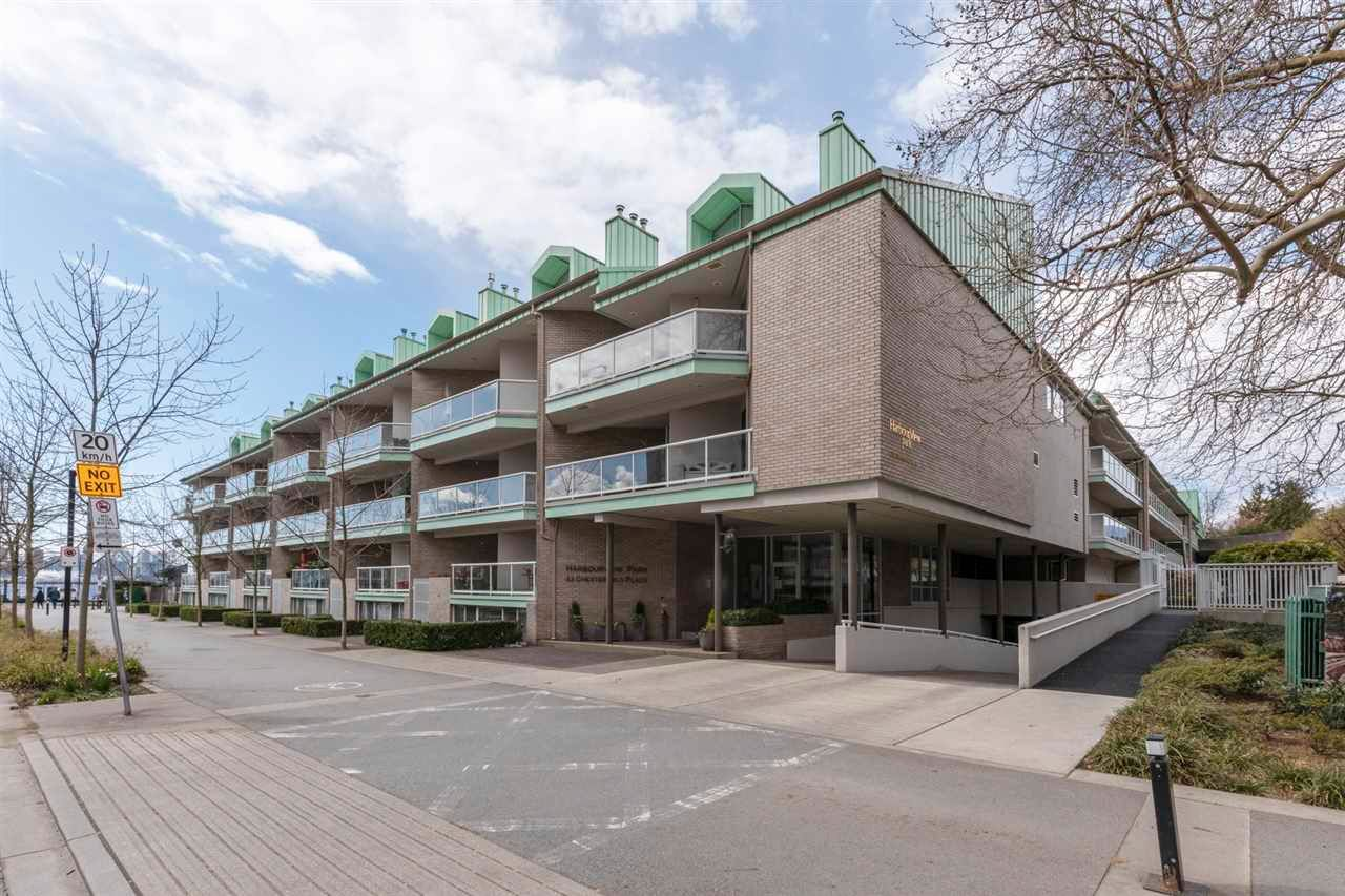 """Main Photo: 3301 33 CHESTERFIELD Place in North Vancouver: Lower Lonsdale Condo for sale in """"HARBOURVIEW PARK"""" : MLS®# R2564646"""