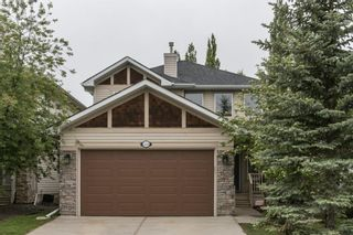 Photo 1: 324 Cresthaven Place SW in Calgary: Crestmont Detached for sale : MLS®# A1118546