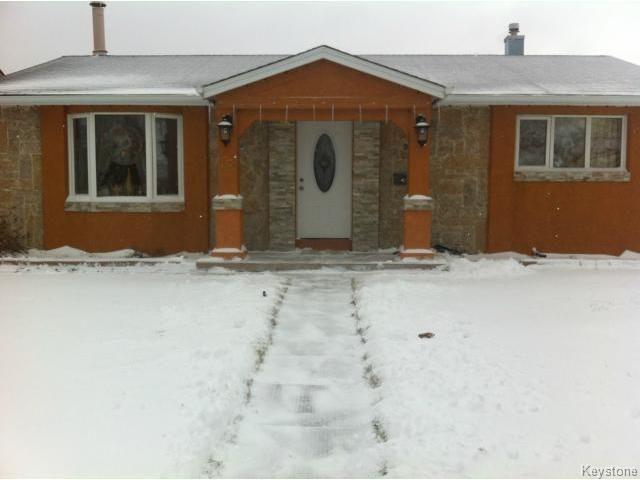 Main Photo: 42 MUSKA Bay in WINNIPEG: Maples / Tyndall Park Residential for sale (North West Winnipeg)  : MLS®# 1405551