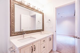 """Photo 11: 4146 GILPIN Crescent in Burnaby: Garden Village House for sale in """"GARDEN VILLAGE"""" (Burnaby South)  : MLS®# R2424746"""