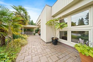 Photo 5: 662 ST. IVES Crescent in North Vancouver: Delbrook House for sale : MLS®# R2603801
