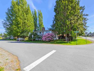 Photo 2: 3820 EARLMOND Avenue in Richmond: Seafair House for sale : MLS®# R2582825
