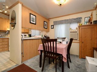 Photo 6: 21 1581 Middle Rd in VICTORIA: VR Glentana Manufactured Home for sale (View Royal)  : MLS®# 799550