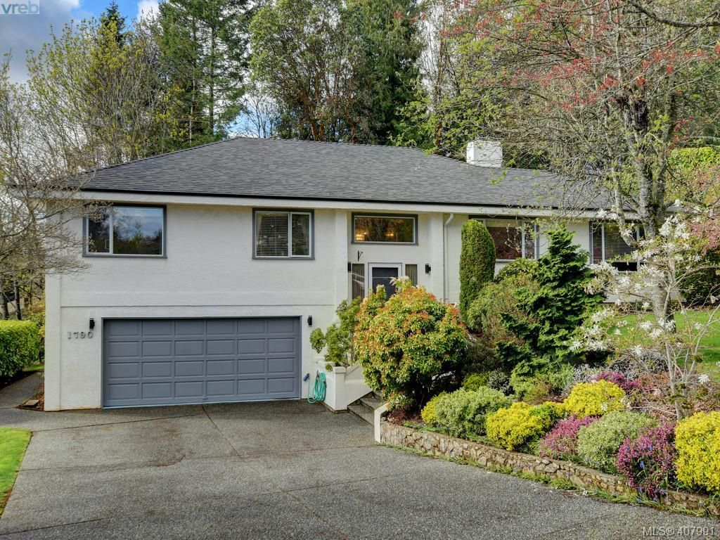 Main Photo: 1790 Fairfax Pl in NORTH SAANICH: NS Dean Park House for sale (North Saanich)  : MLS®# 810796